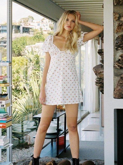 Weißes böhmisches kurzes Kleid